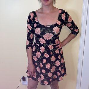 NWOT Half sleeve f21 floral dress w cut out back